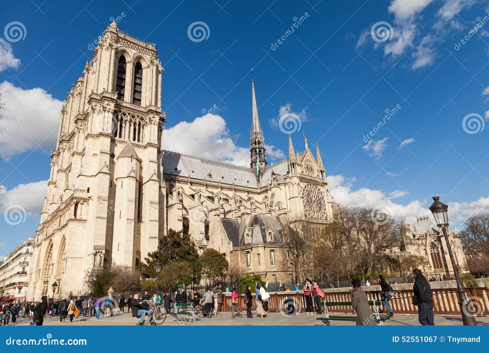 Povos Em Notre Dame, Igreja Católica Famosa, Marco Do Turismo Em ...