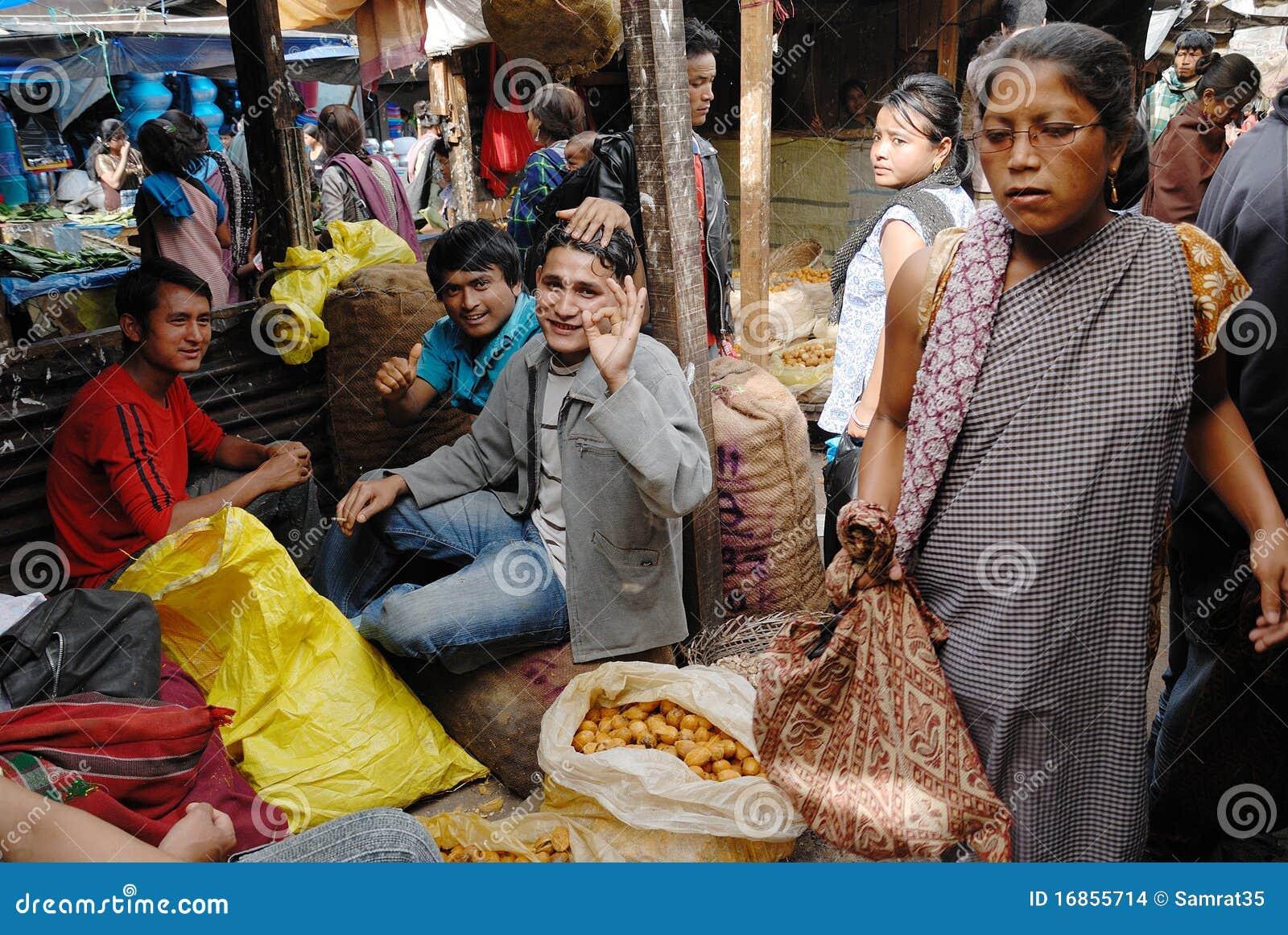 Povos no India do nordeste