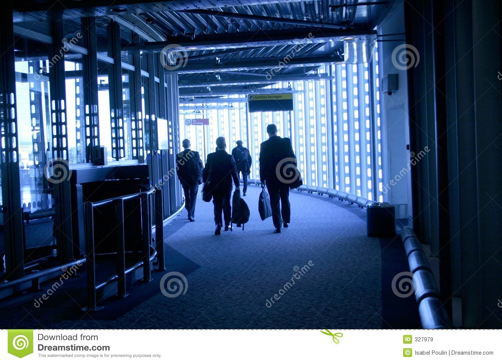 Povos que andam no aeroporto