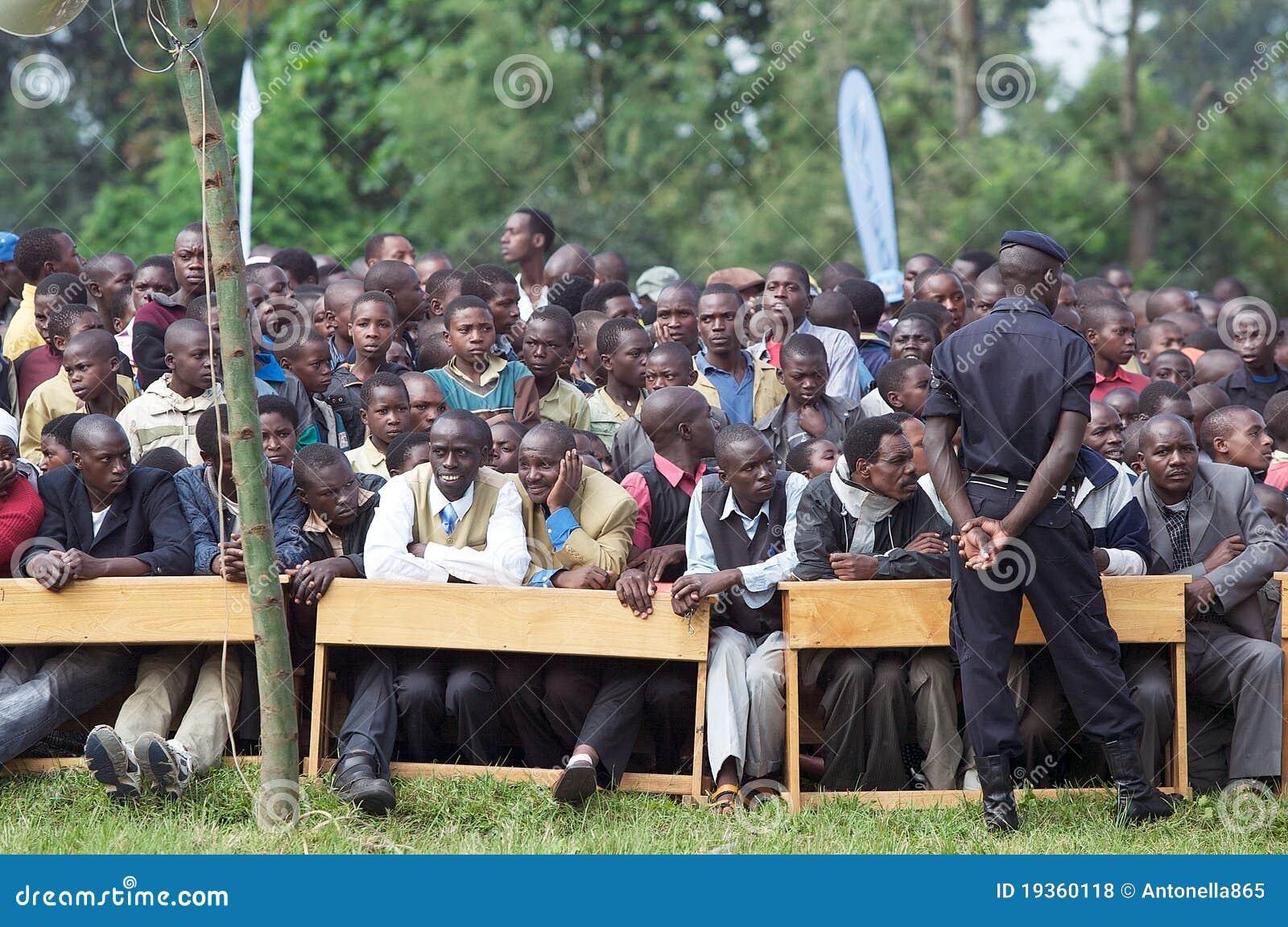 Povos que atendem na cerimónia de Kwita Izina
