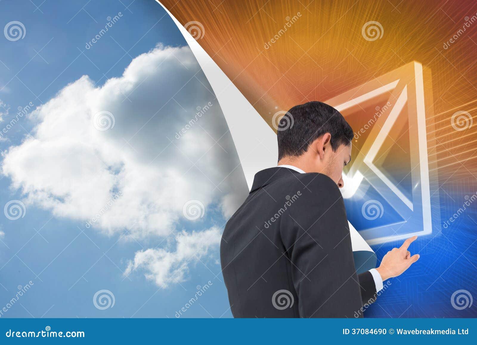 Download Poważny Azjatykci Biznesmena Wskazywać Zdjęcie Stock - Obraz złożonej z komputer, digitise: 37084690