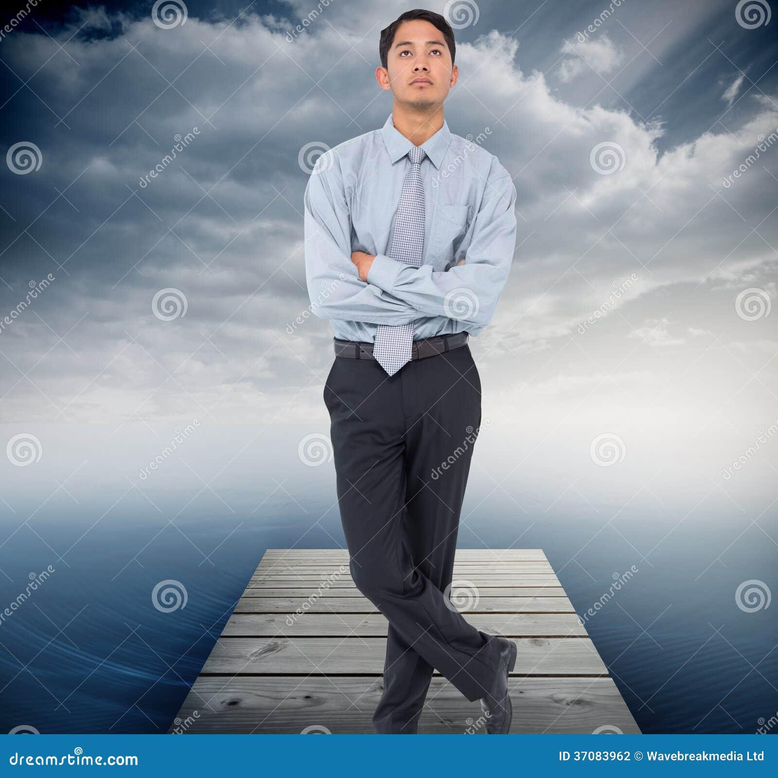 Download Poważny Azjatykci Biznesmen Zdjęcie Stock - Obraz złożonej z jasny, koszula: 37083962