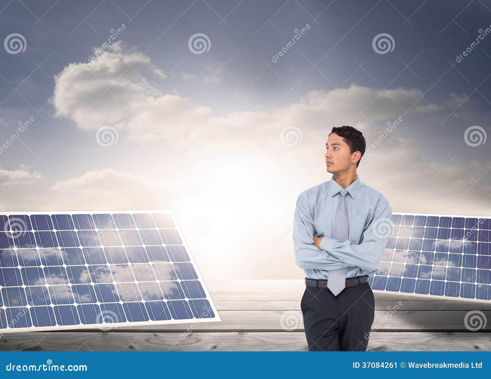 Download Poważny Azjatykci Biznesmen Obraz Stock - Obraz złożonej z niebo, władza: 37084261