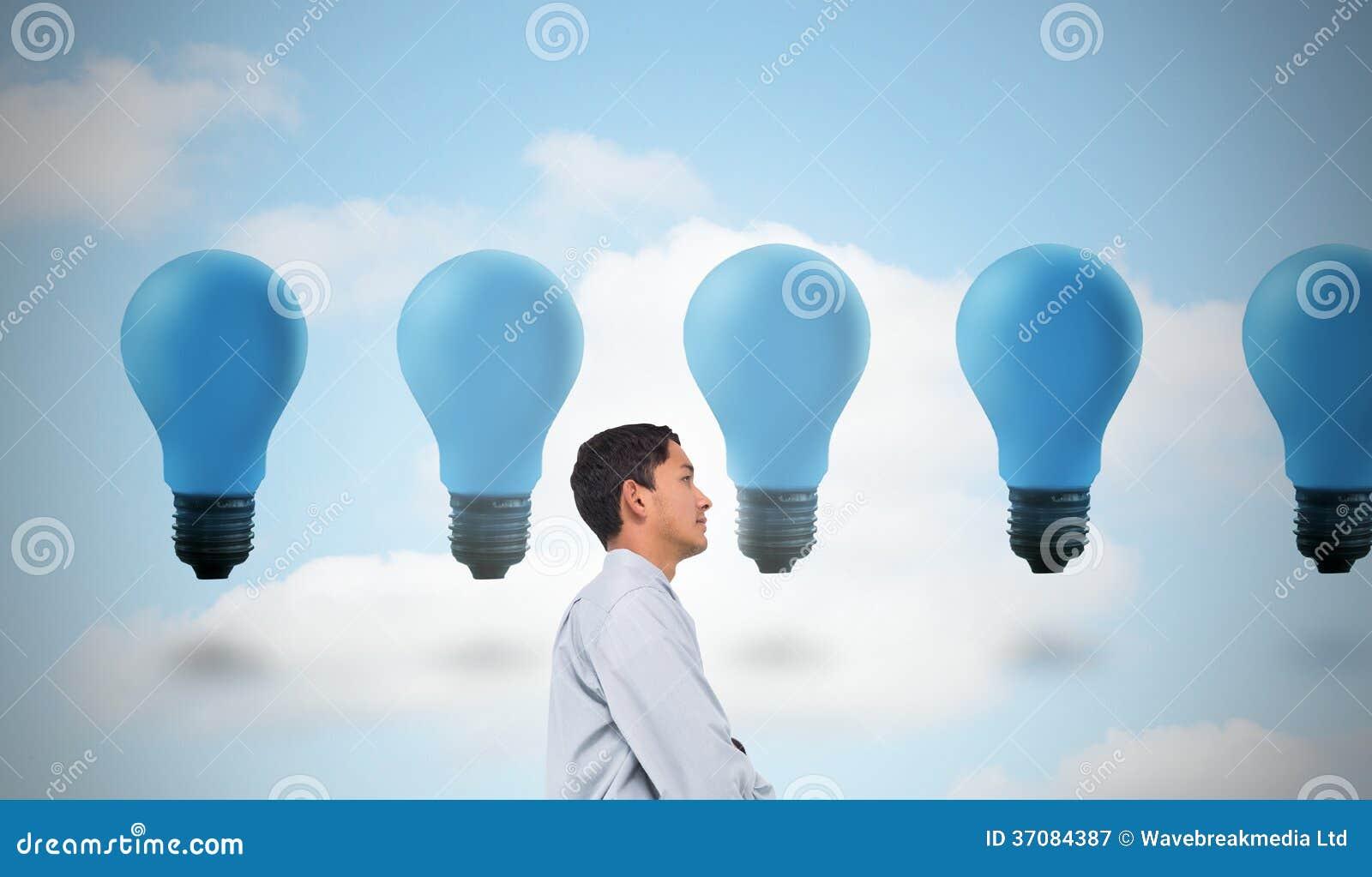 Download Poważny Azjatykci Biznesmen Obraz Stock - Obraz złożonej z elektryczność, composite: 37084387