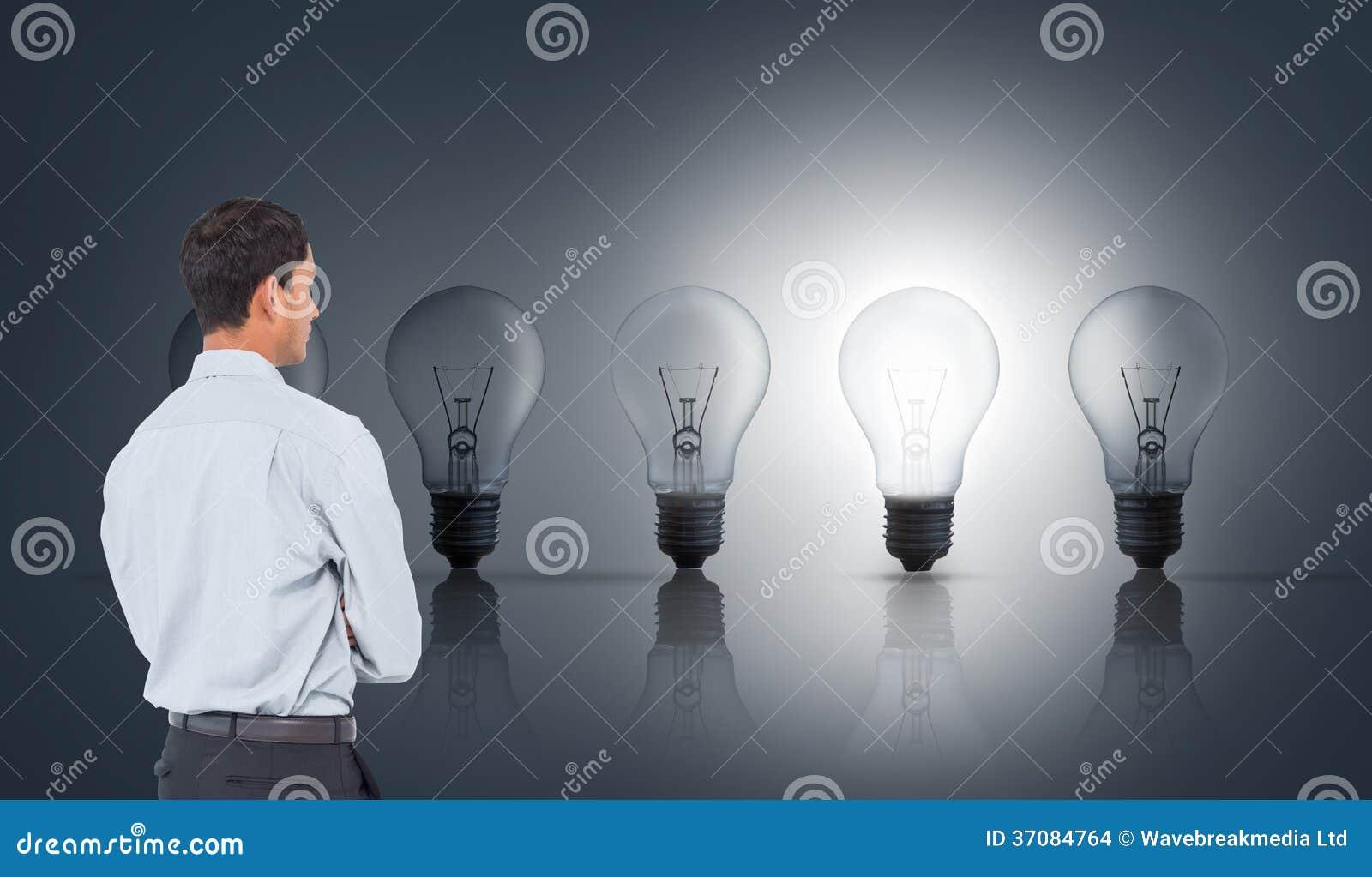 Download Poważny Azjatykci Biznesmen Zdjęcie Stock - Obraz złożonej z osoba, linia: 37084764