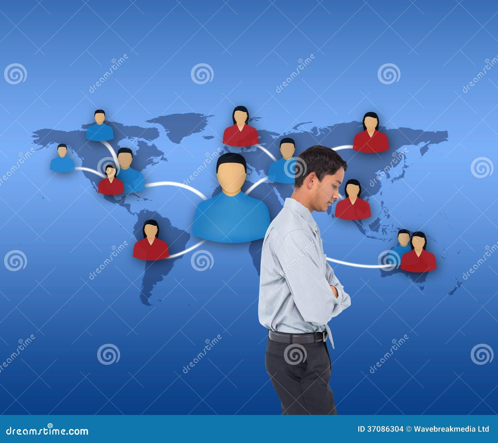 Download Poważny Azjatykci Biznesmen Zdjęcie Stock - Obraz złożonej z mężczyzna, kontakty: 37086304