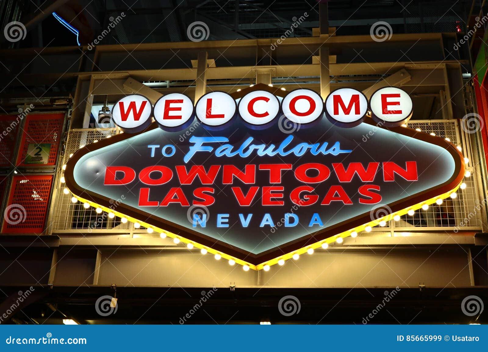 Powitanie Bajecznie W centrum Las Vegas znak przy Fremont ulicą