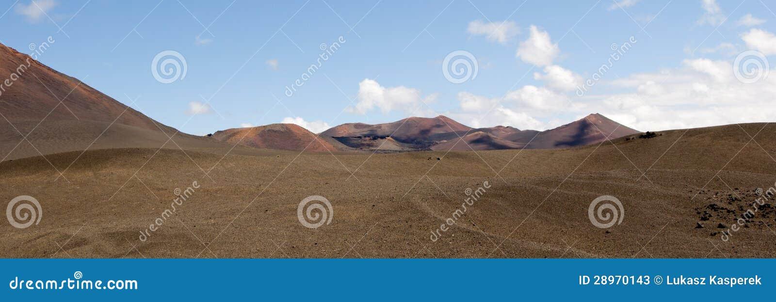 Powulkaniczny krajobraz - panorama