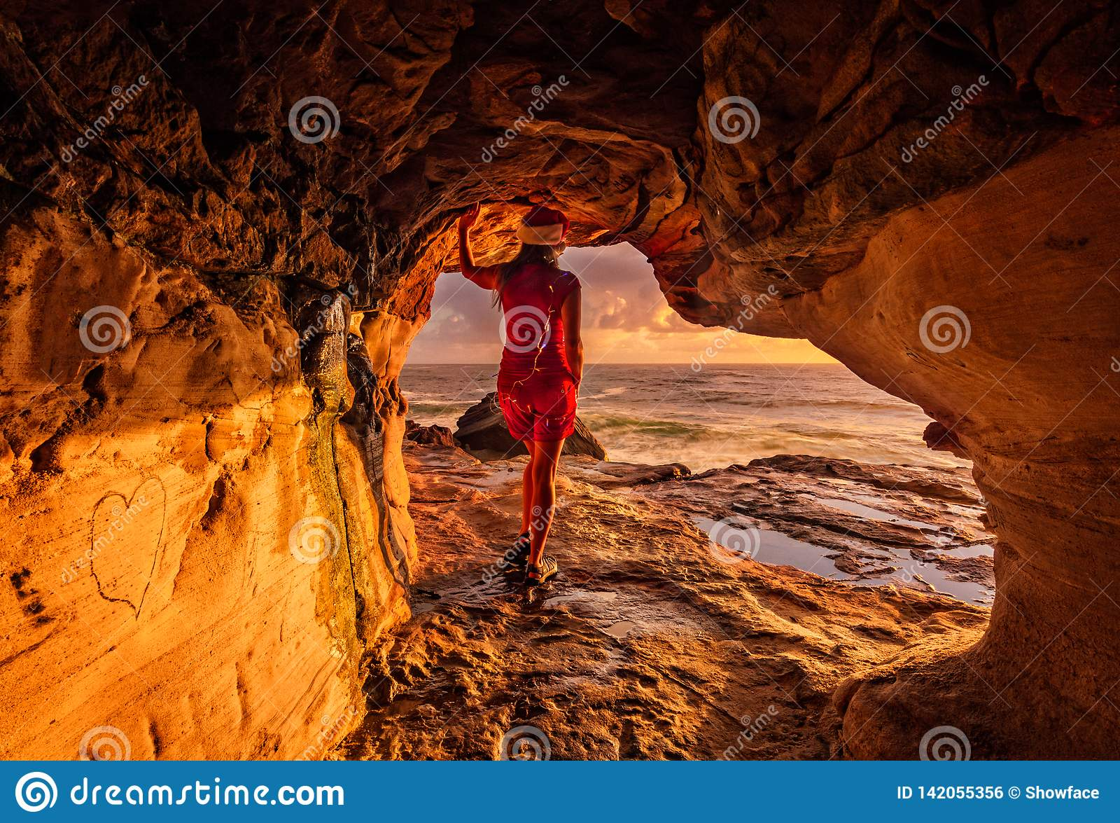 Pozytywna afirmacja przy bożymi narodzeniami Tam jest zawsze lekki przy końcówką tunel