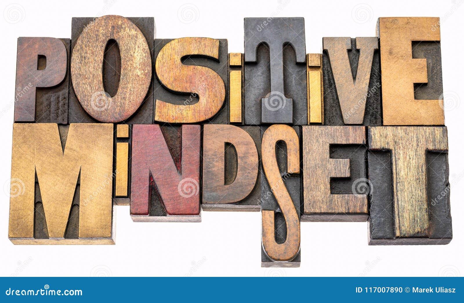 Pozytywny mindset słowa abstrakt w drewnianym typ