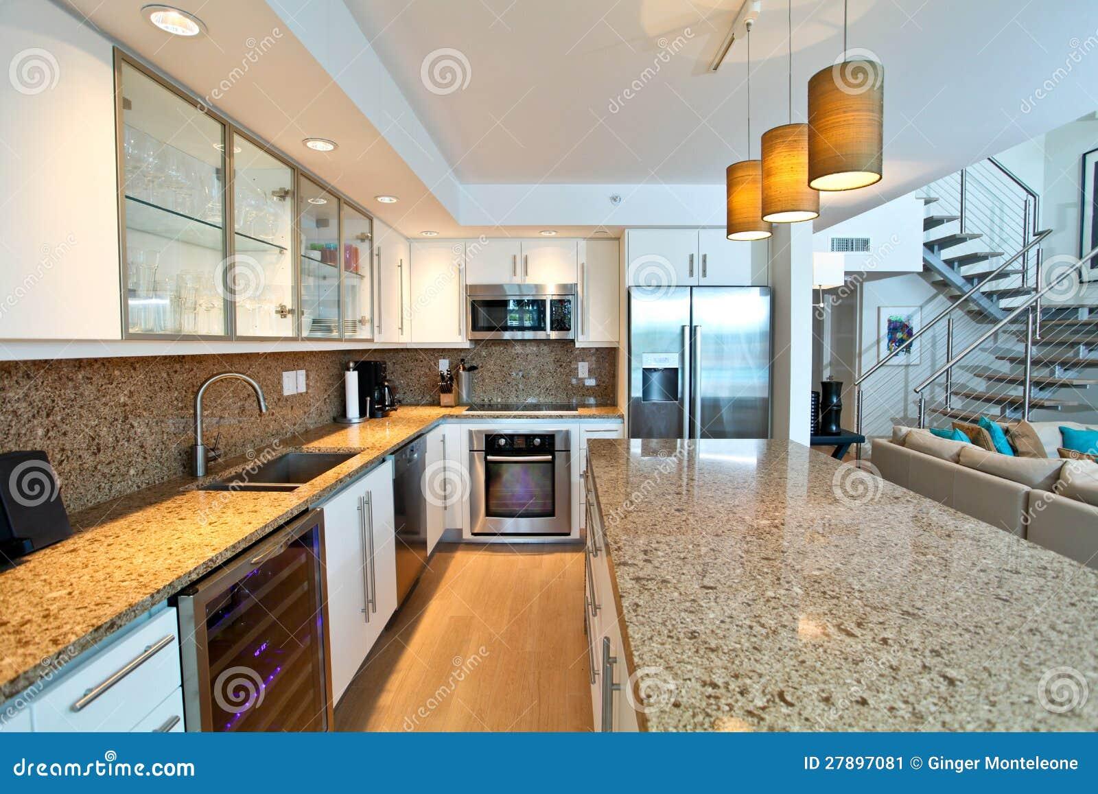 Öppna kök fotografering för bildbyråer   bild: 27897081