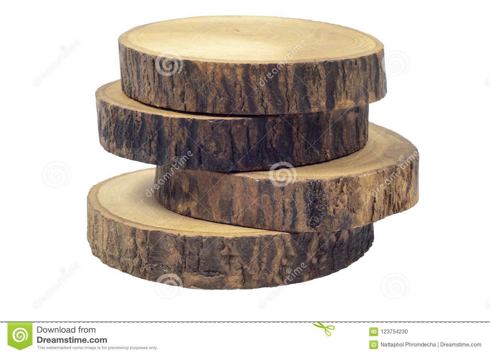 Prácticos de costa de madera de la cerveza o del café aislados en el fondo blanco con la trayectoria de recortes
