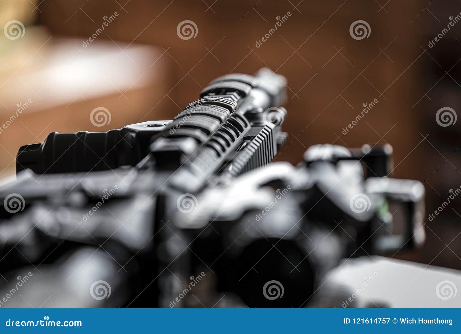 Préparation des armes pour des actes de terroriste