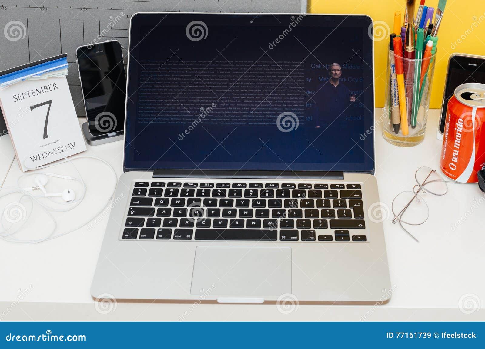 Présentation de site Web d ordinateurs Apple