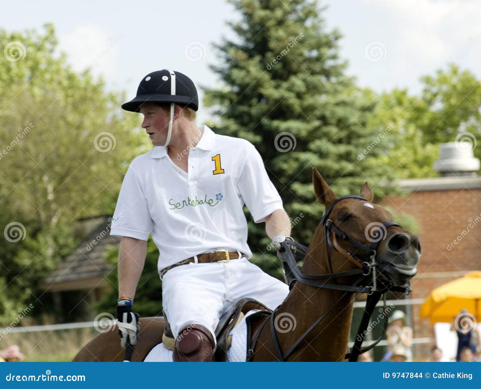 Príncipe Harry Playing Polo