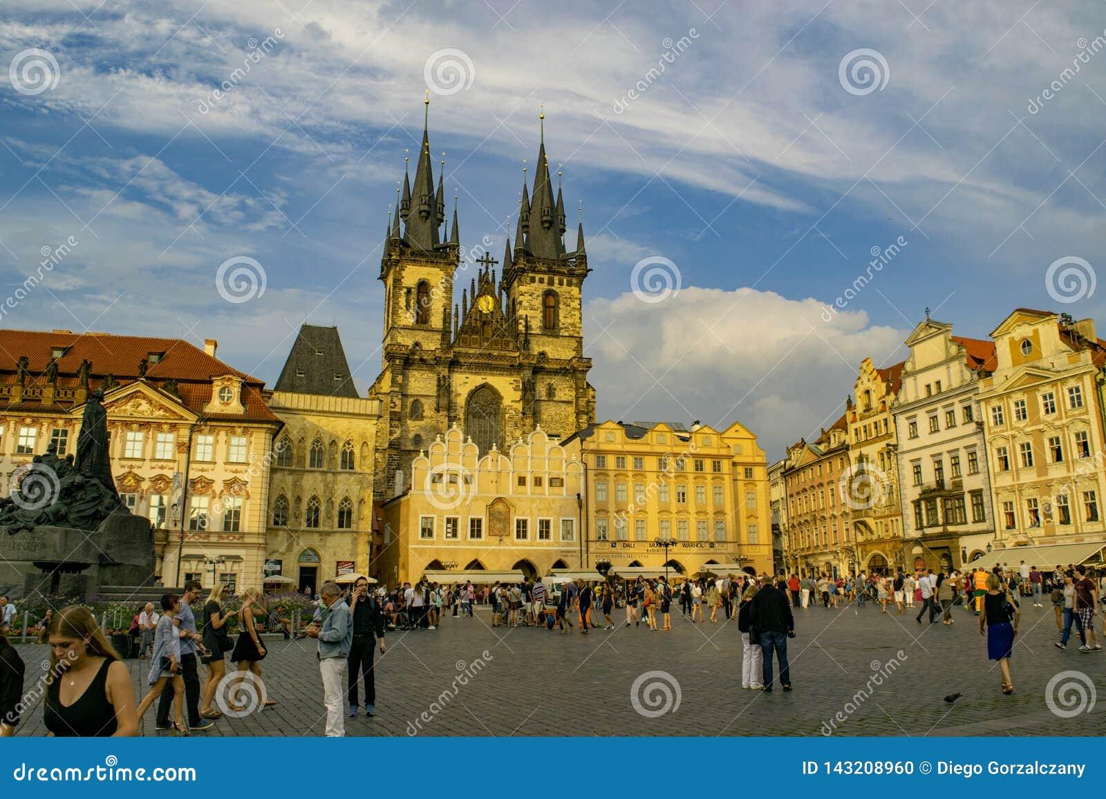 Praça da cidade velha, em Praga