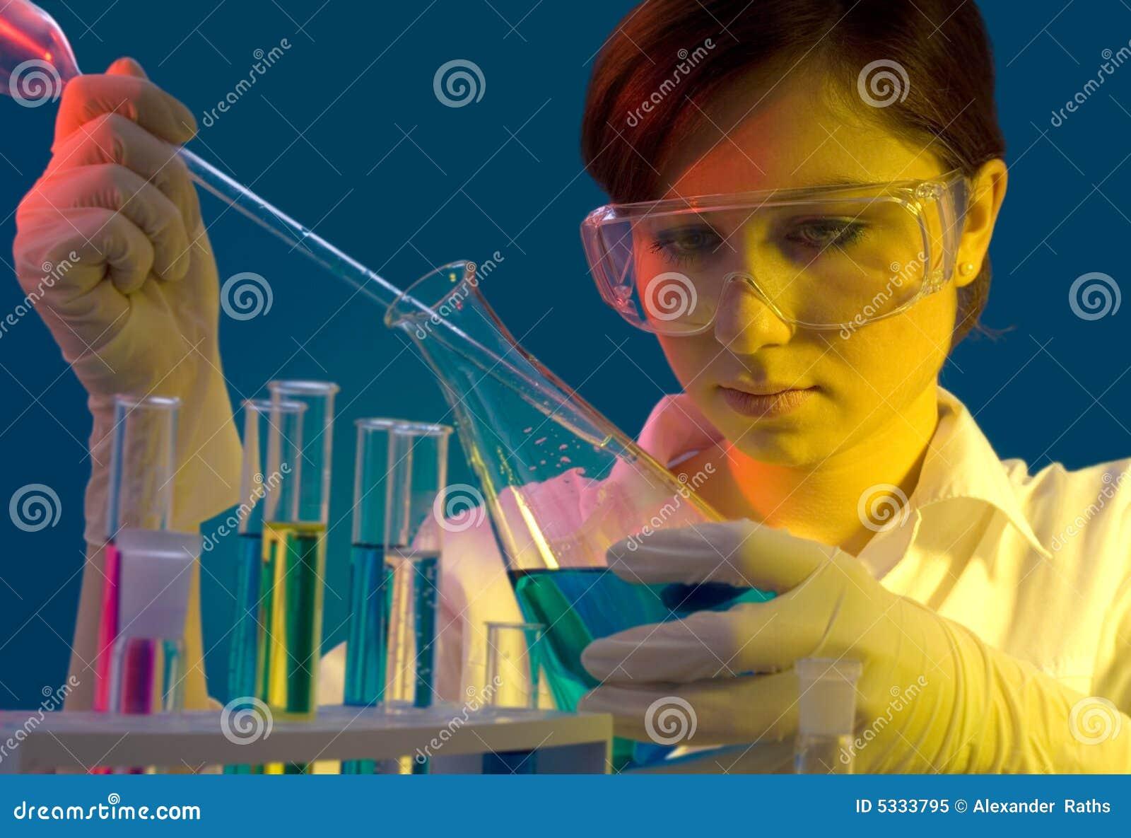 Praca laboratoryjna