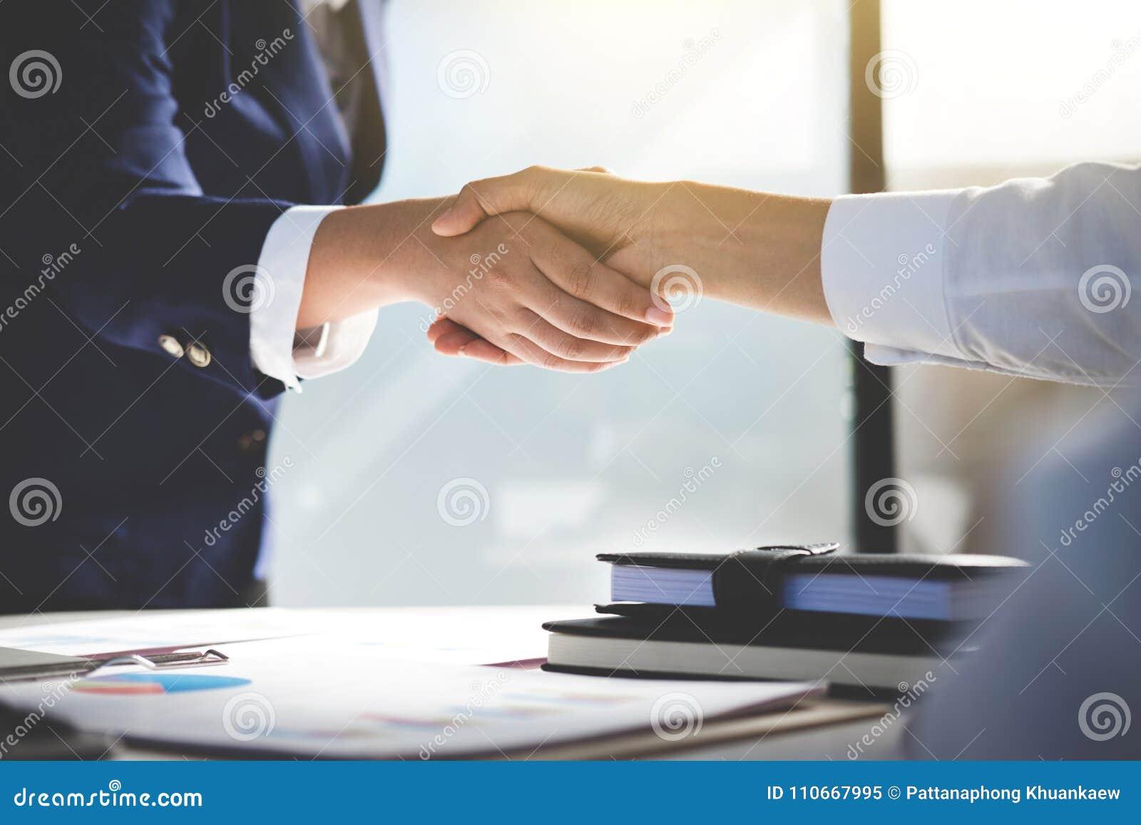 Praca zespołowa proces, wizerunek biznes drużyny powitania uścisk dłoni Suc