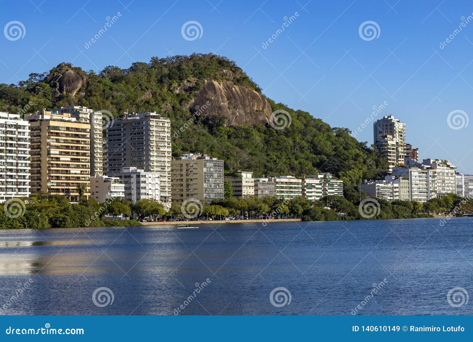 Prachtige stad Prachtige plaatsen in de wereld Lagune en buurt van Ipanema in Rio de Janeiro, Brazilië