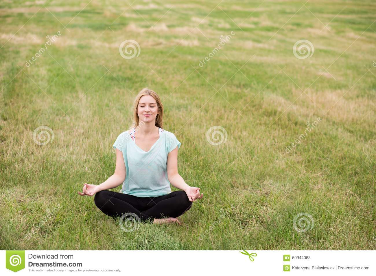 Practicing mindfulness meditation in nature