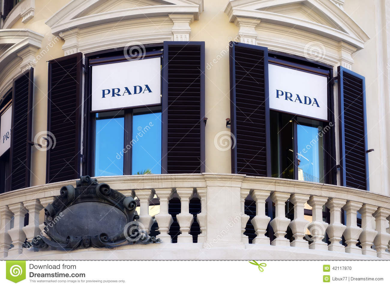 Prada balcony boutique rome downtown editorial image for Boutique rome