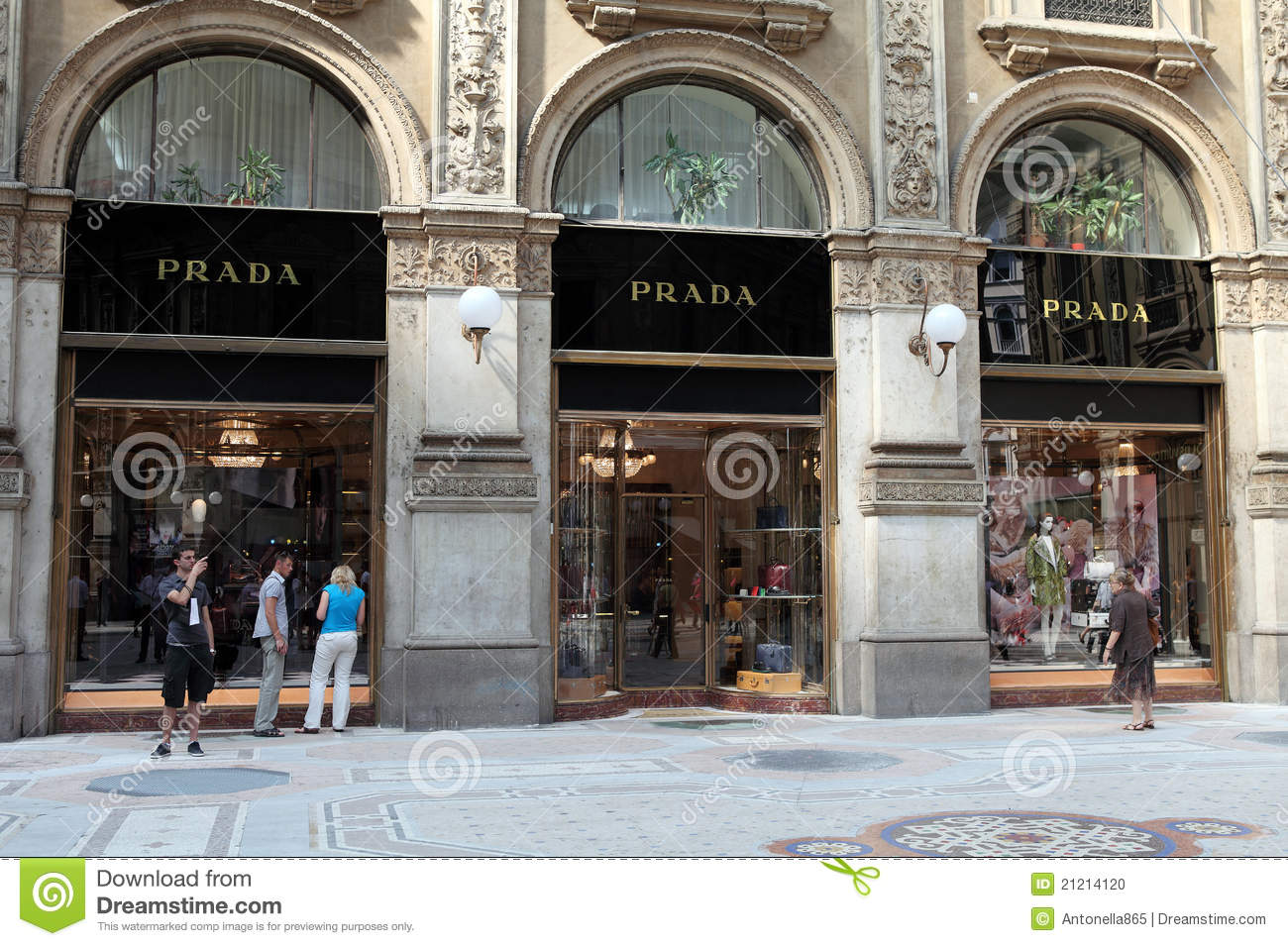 Prada store windows florence italy editorial photo for Dream store firenze