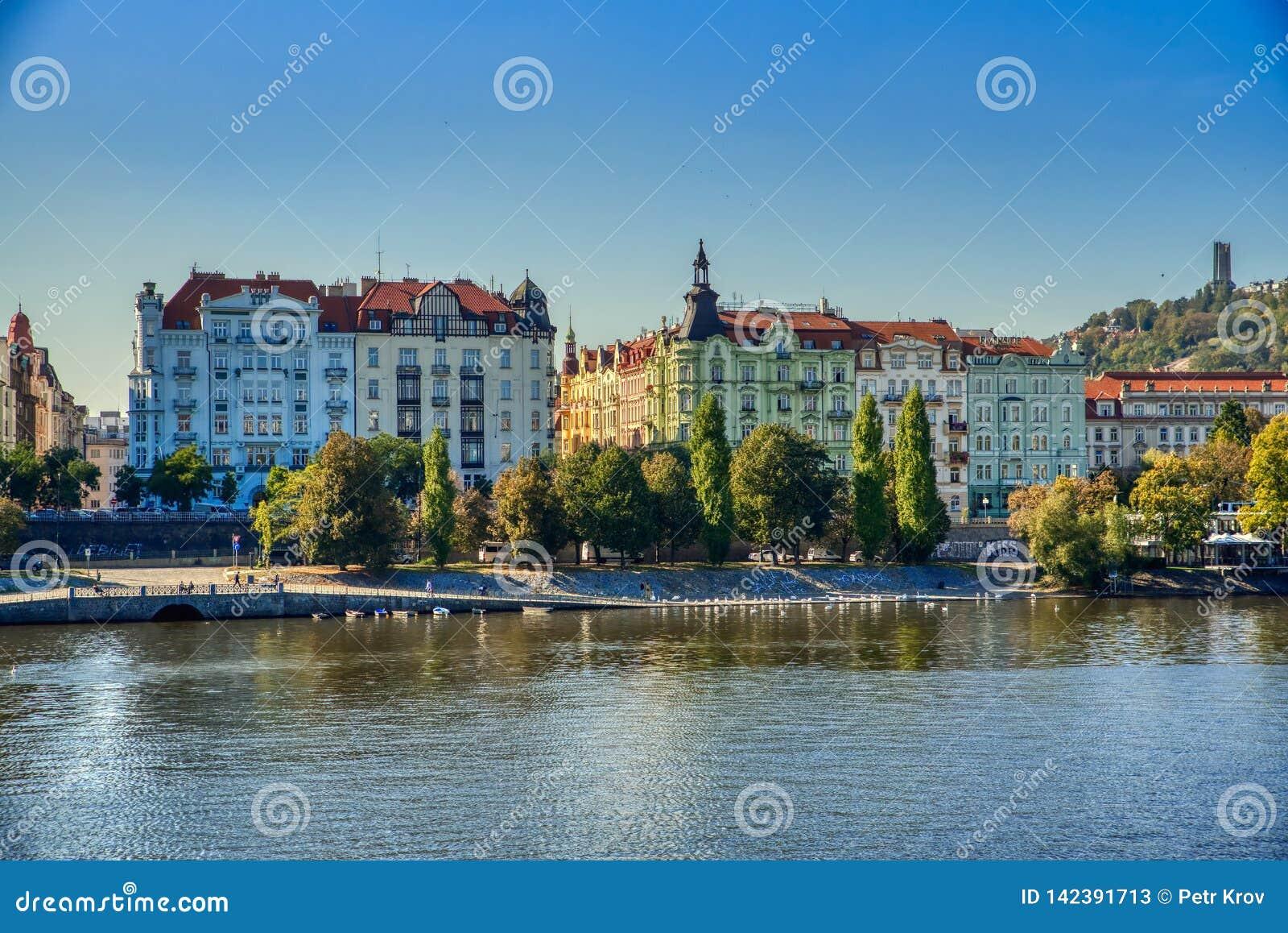 Prag-, Moldau-Fluss und alte Architektur