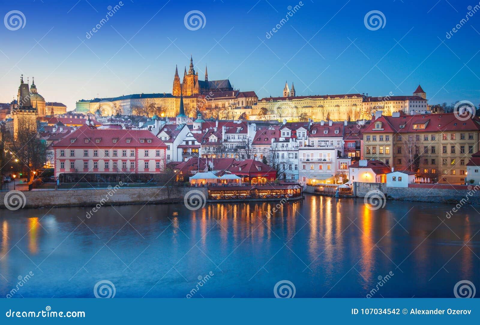 Prag-Schloss nachts Tschechische Republik