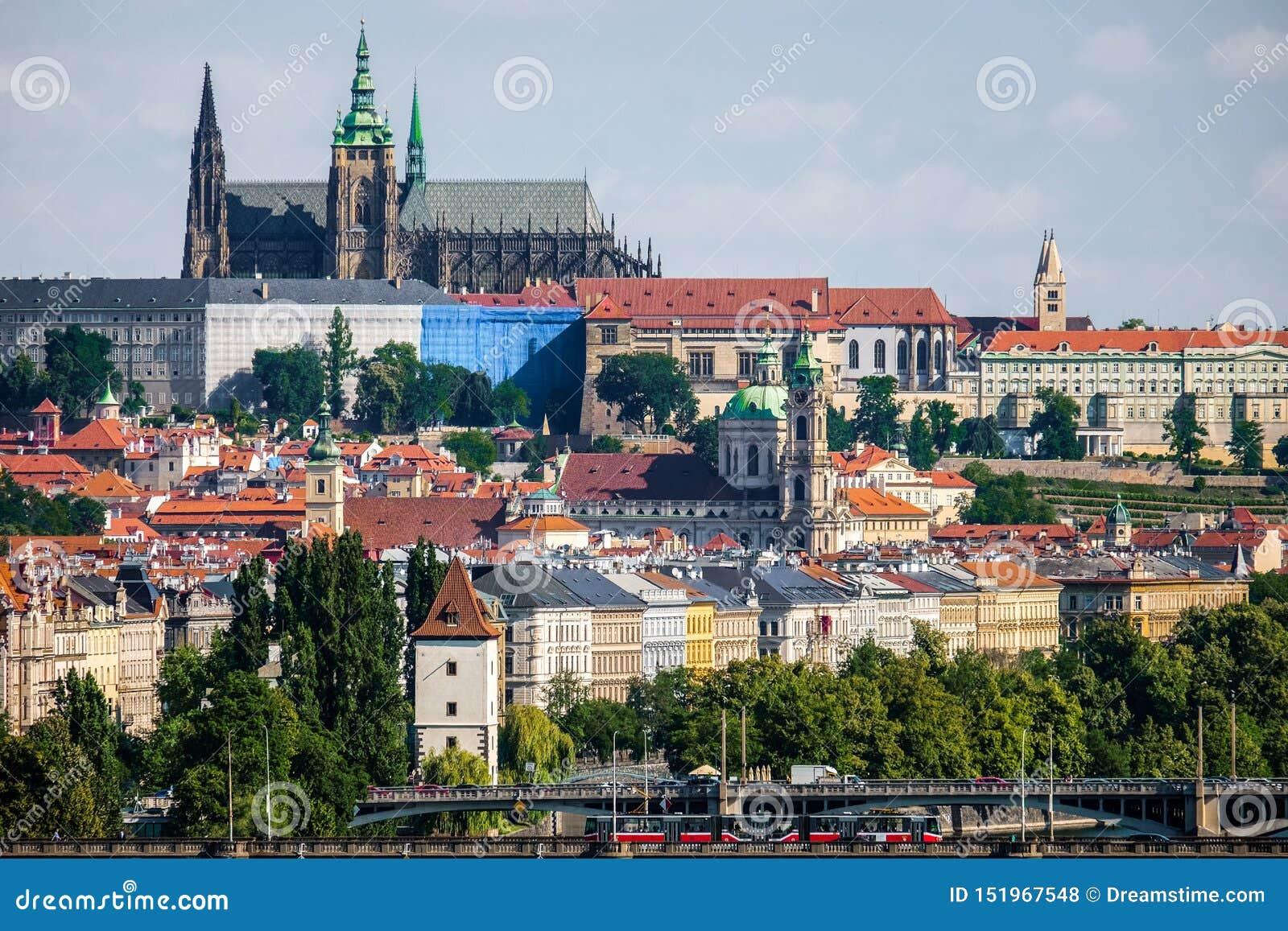 Praga bonita vista de Vysehrad