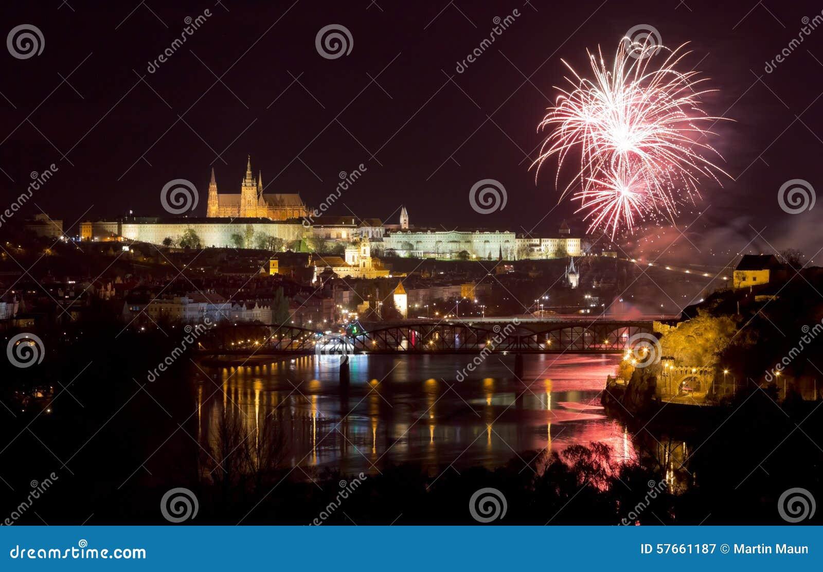 Praga kasztelu fajerwerki