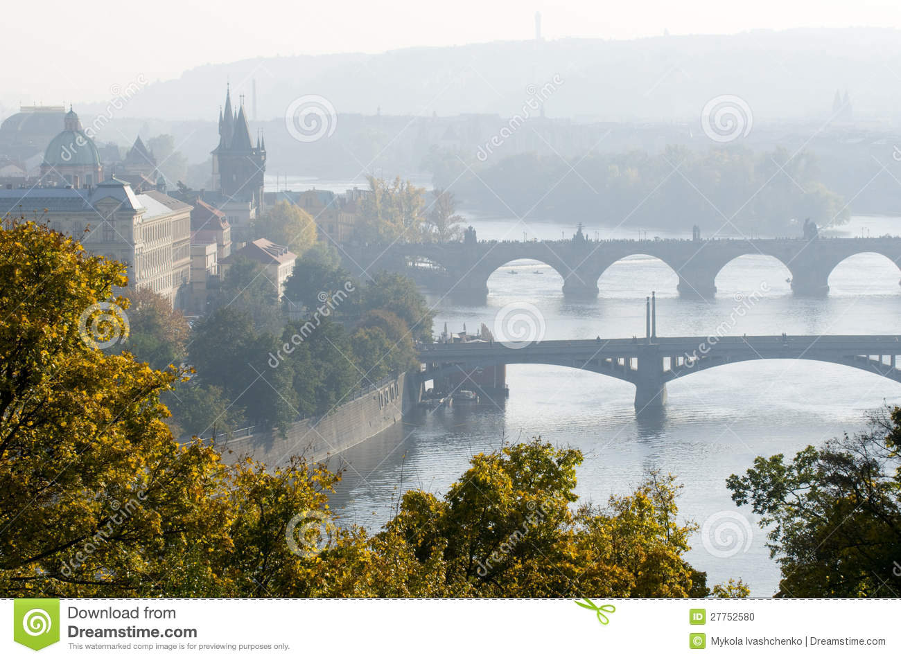 Prague en regain de matin