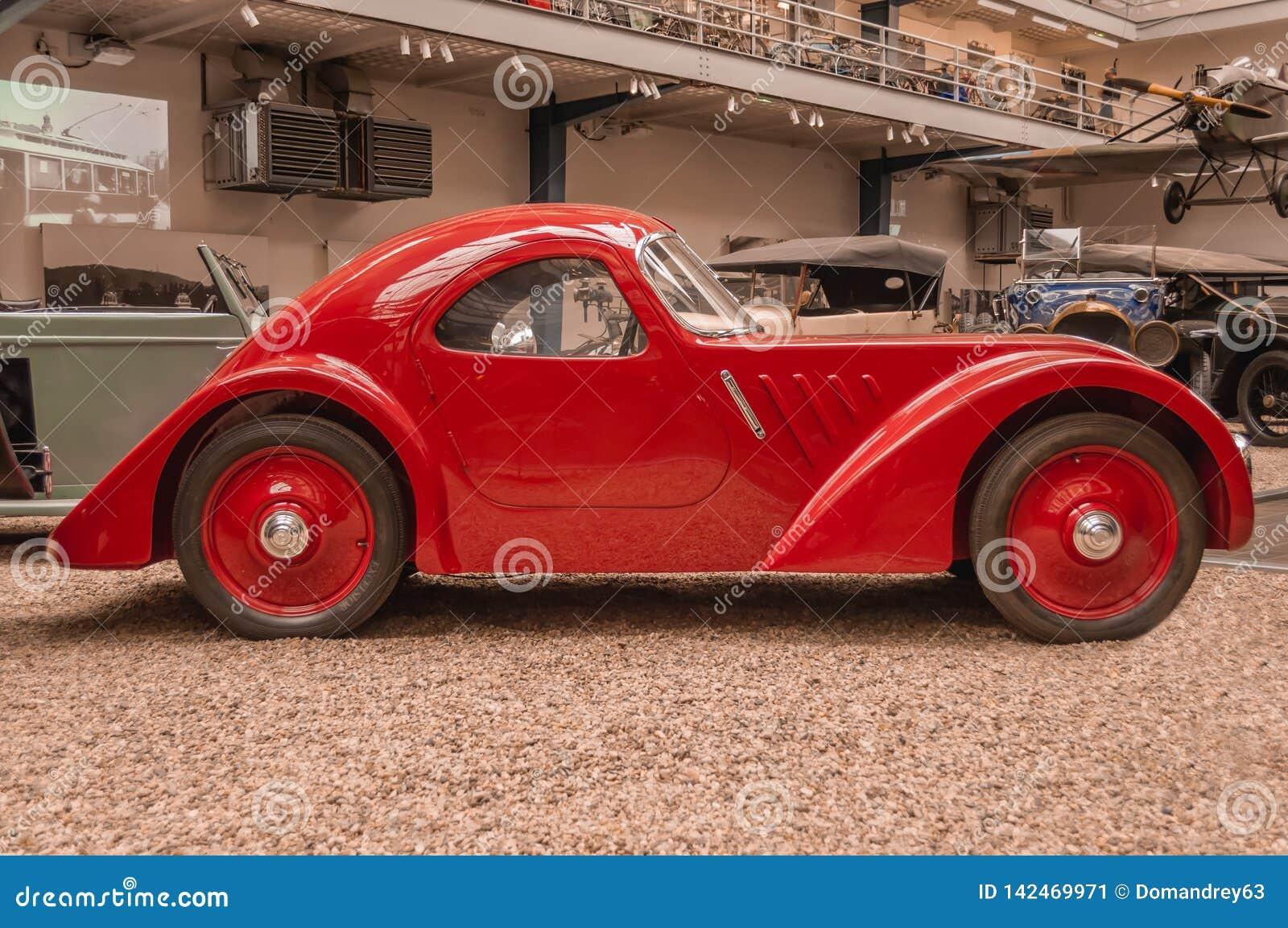 Prague, musée technique de République Tchèque, rétro voiture 2017-09-12