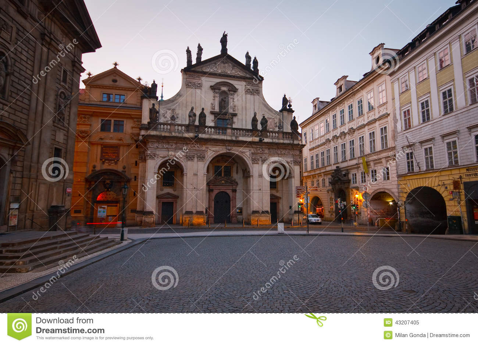 Download Prague tjeckisk republik redaktionell foto. Bild av historiskt - 43207405