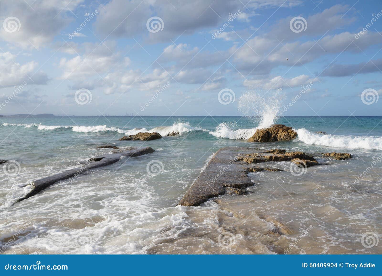 Praia bonita de Kirra