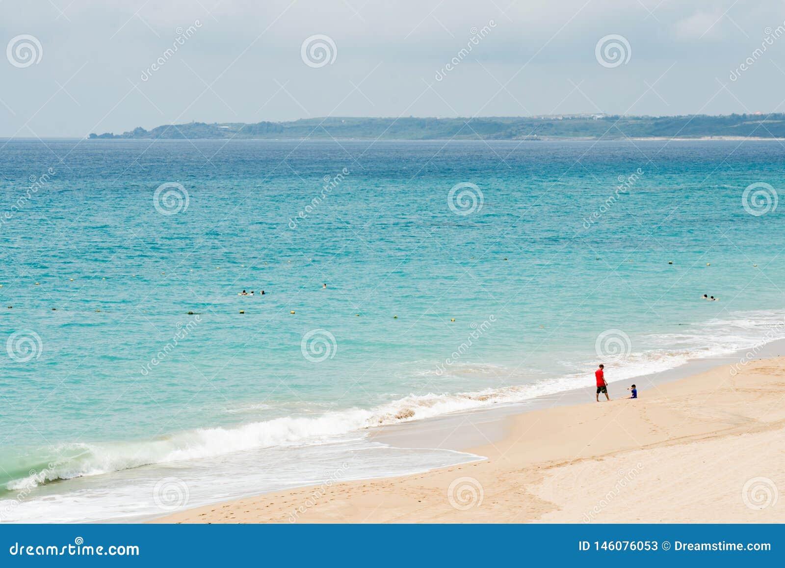 Praia bonita em Kenting