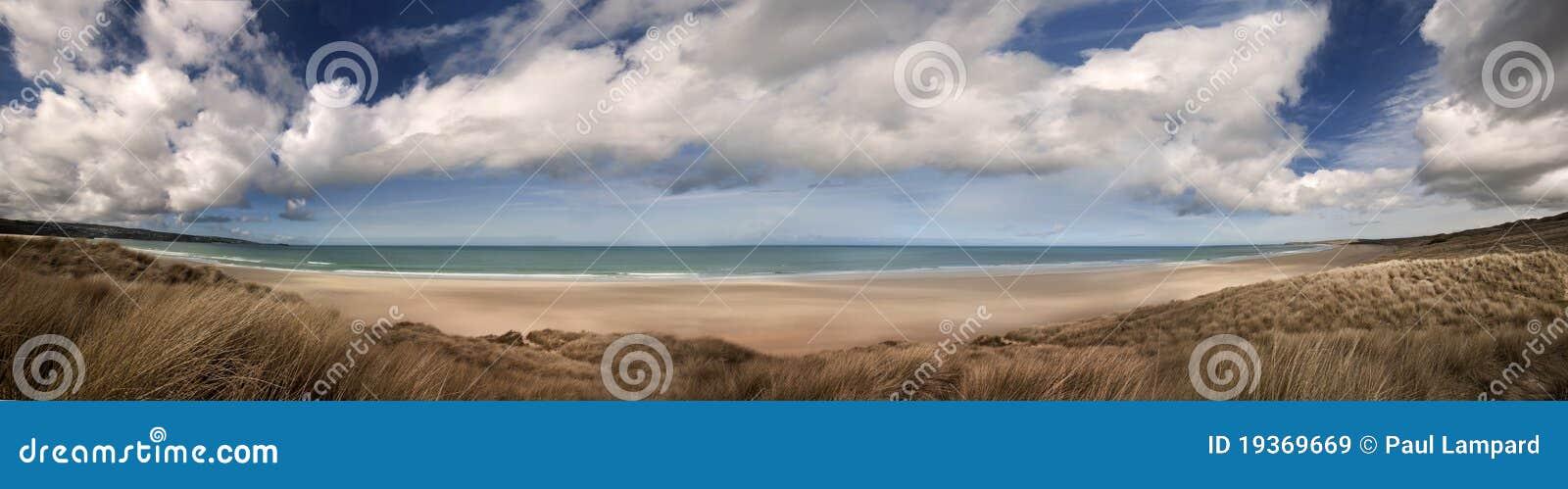 Praia de Cornualha panorâmico