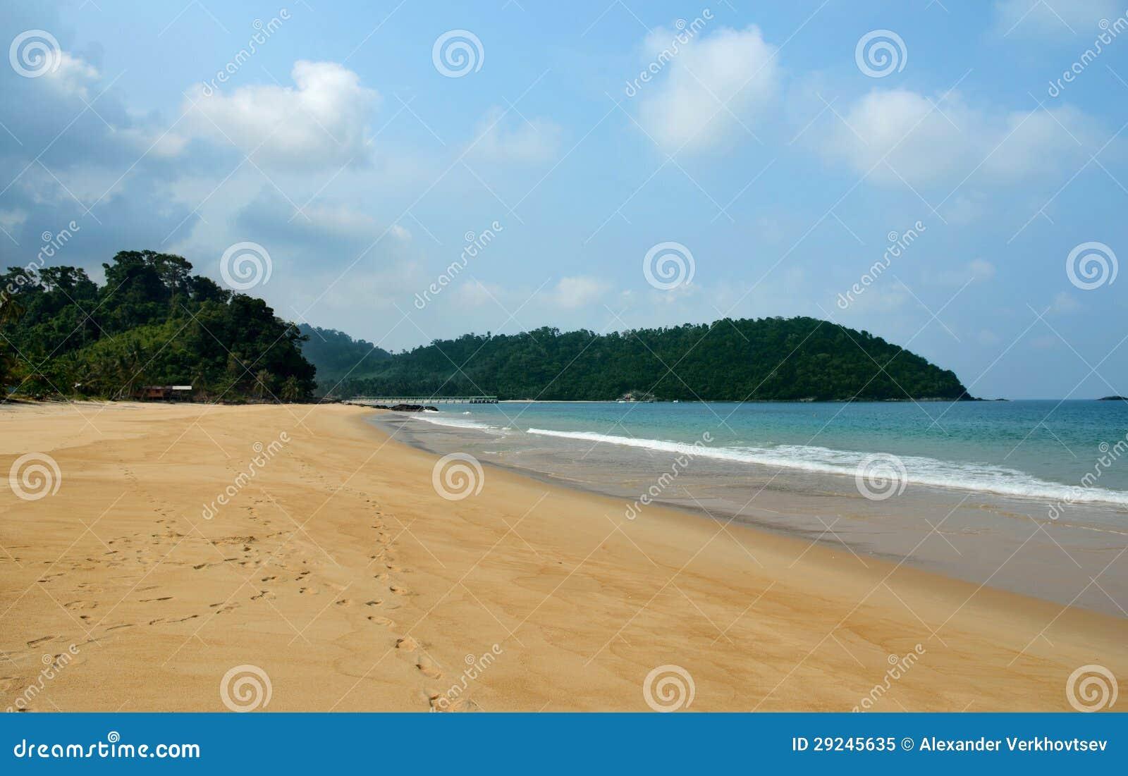 Download Praia de Juara imagem de stock. Imagem de nave, monte - 29245635