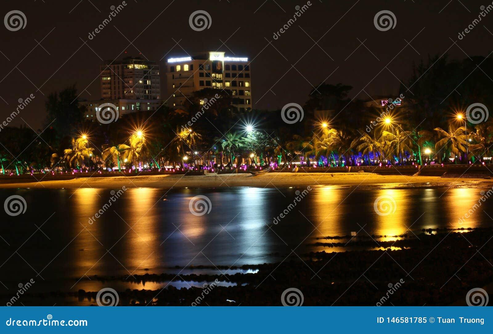 Praia de Vung Tau na noite