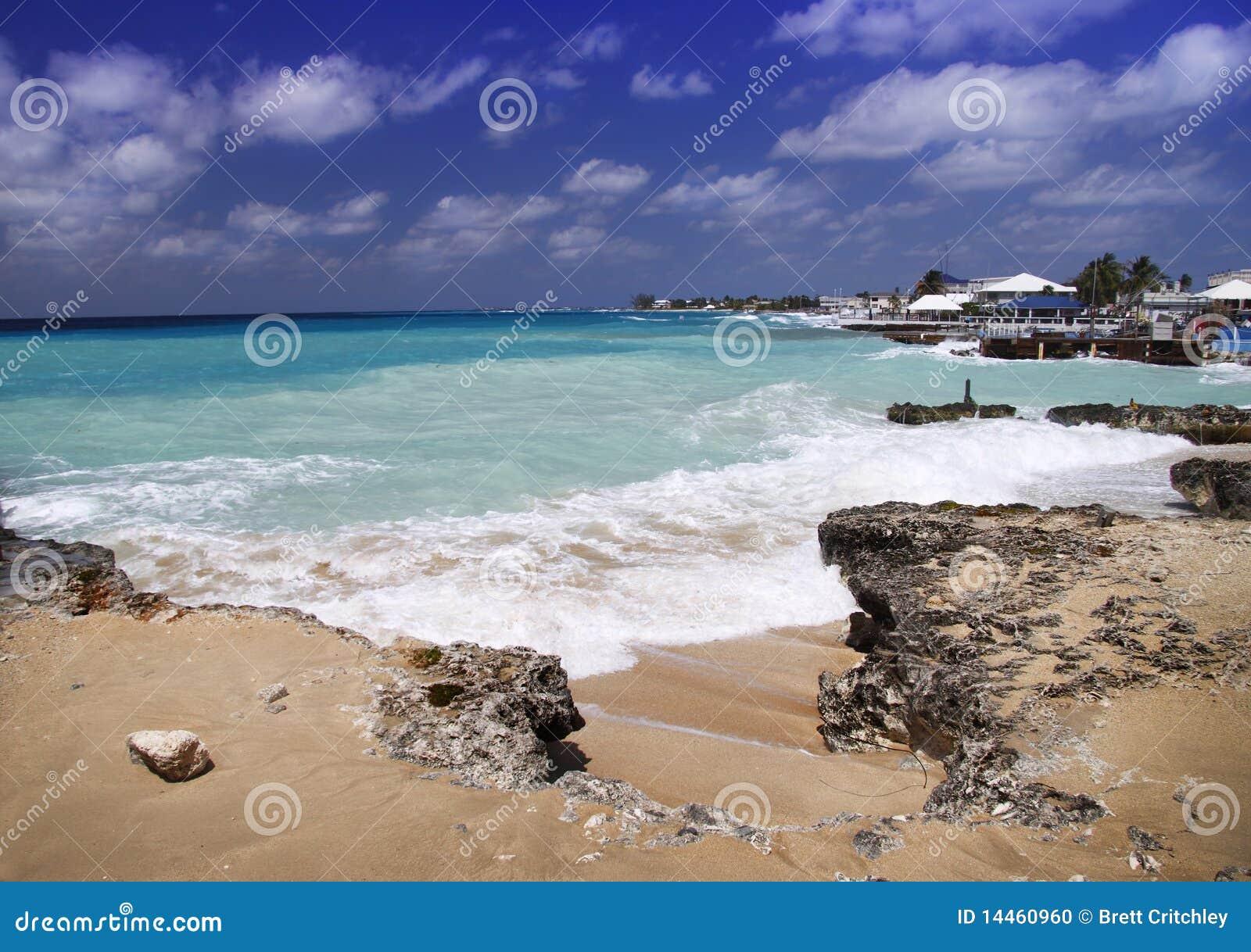 Praia do Cararibe tormentoso