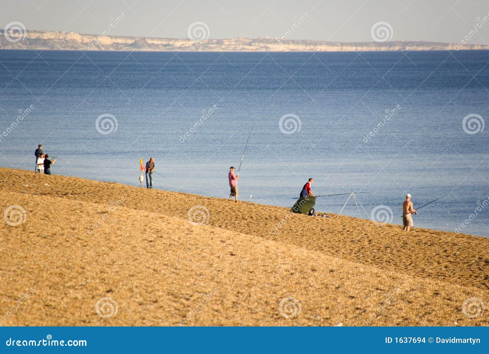 Praia do chesil da costa de Inglaterra Dorset