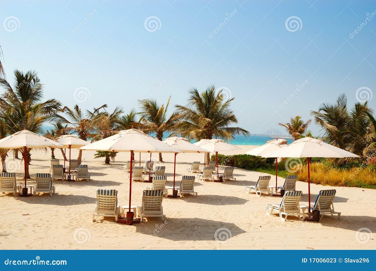 Praia do hotel de luxo dubai uae fotos de stock imagem for Hotel de dubai