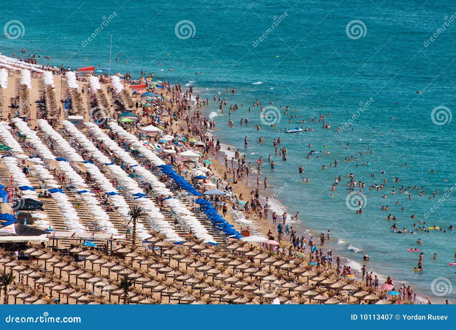 Praia dourada das areias