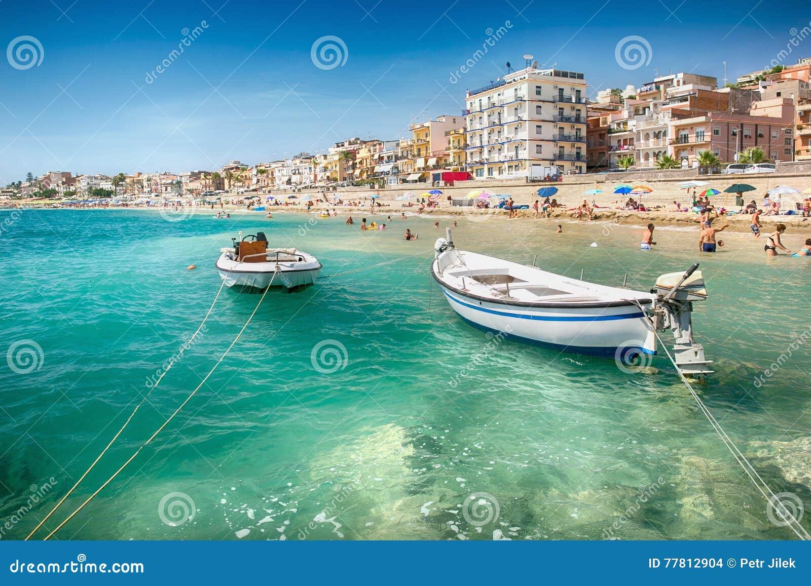 Praia em Giardini Naxos, Sicília