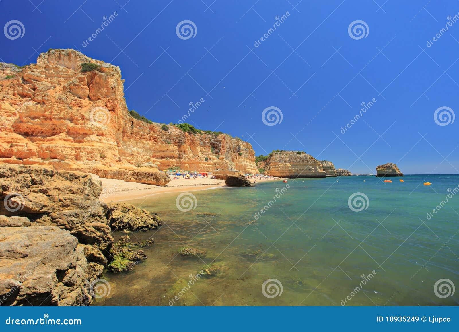 Praia marinha da пляжа algarve