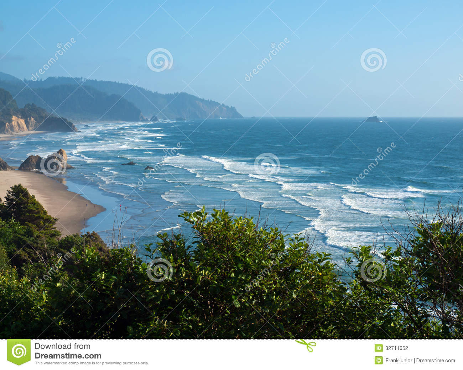 A praia na costa de Oregon negligencia