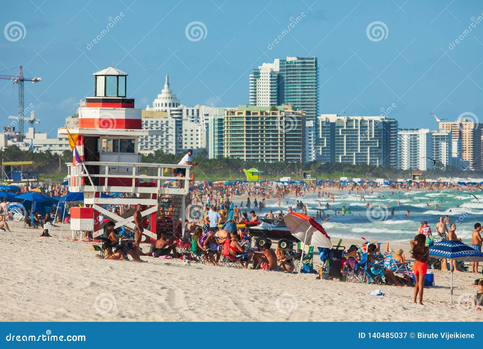 Praia sul em Miami Beach, Florida, Estados Unidos