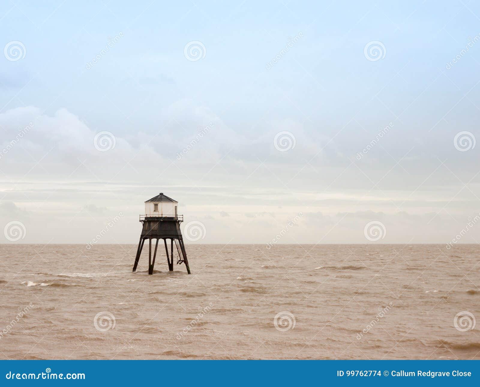 Praia velha da baía do mar de Harwich da casa clara da estrutura do mar