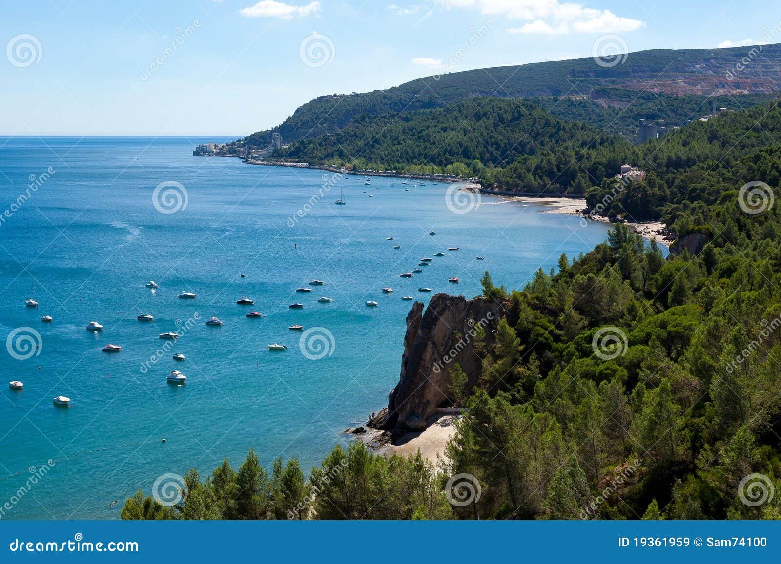 Praias selvagens de Setubal em Portugal