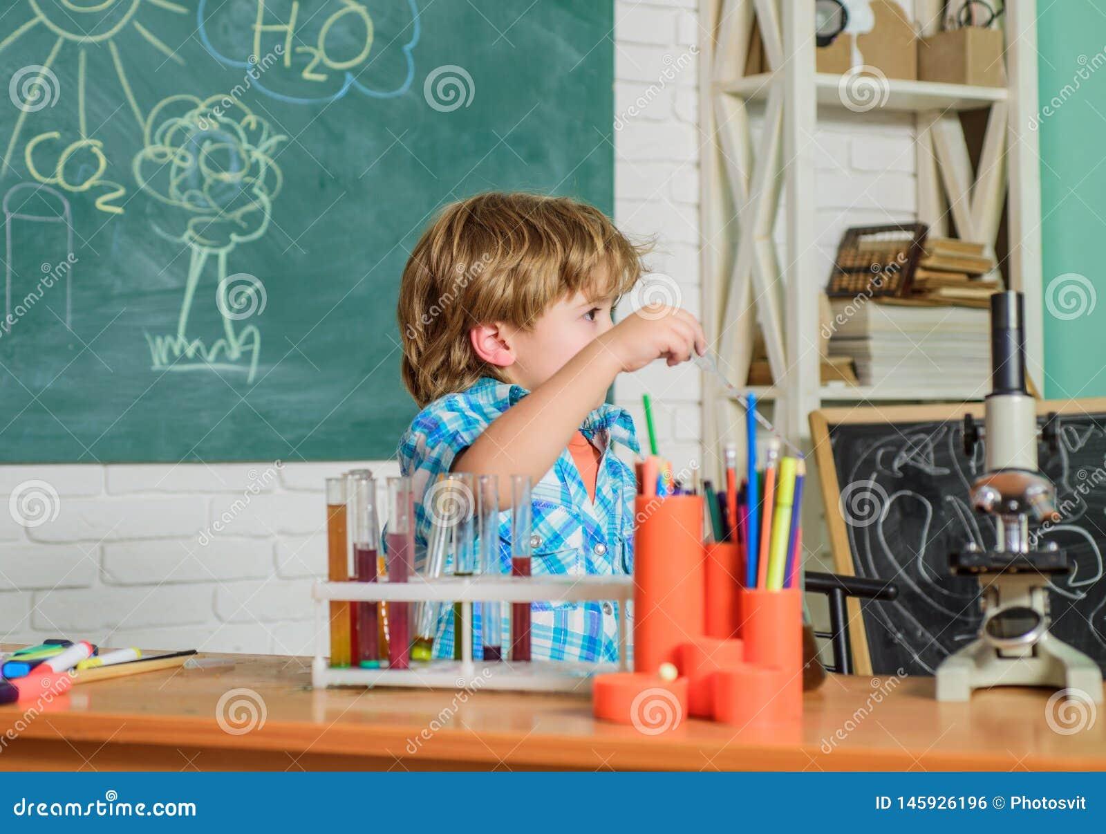 Praktisk kunskap Grundläggande kunskap h?rd study Mätbara resultat E Kritiskt tänka och
