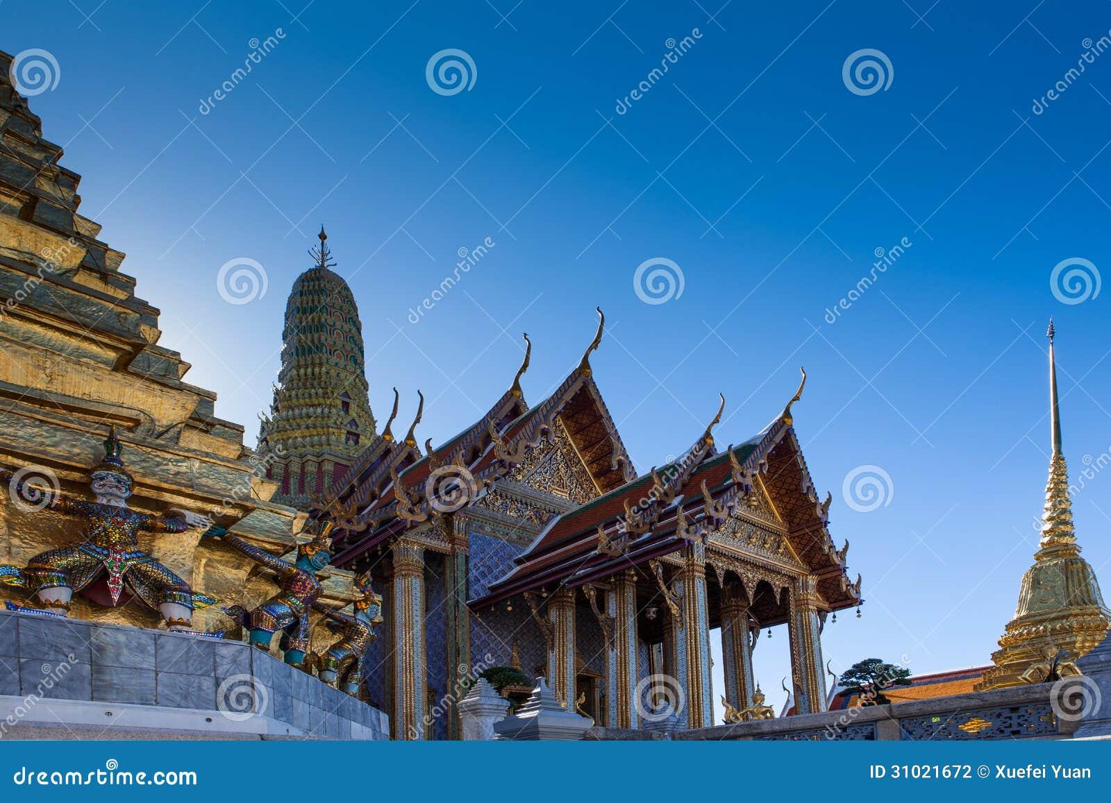 Prasat Phra Thep Bidon And Golden Chedis Stock Photography ...